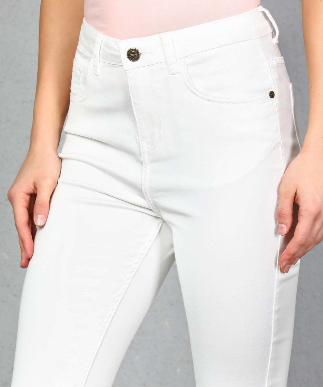 JEANS WORLD LADIES JEANS DESIGNER SINGLE BUTTON WITH POCKET JEANS